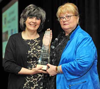 Dr. Mary Leahy, Good Samaritan Hospital was given the award for Outstanding Achievement by a Woman in Business.  The award was presented to her by RBA Chair, Debra Boening of Oak Beverages.  The sponsor was Westchester Medical Center Health Network.